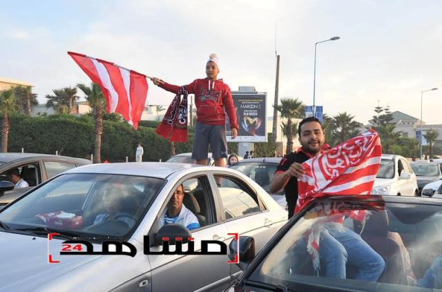 فرحة عارمة لجماهير الوداد بعد التتويج بالبطولة