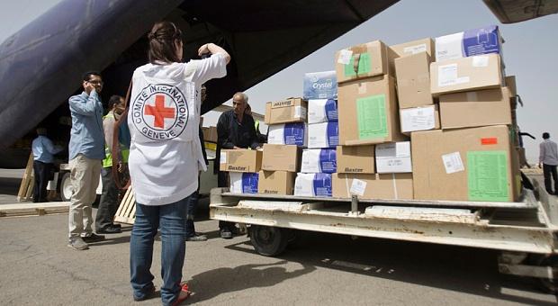 إيران تحذر من اعتراض مساعداتها الموجهة للحوثيين