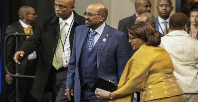 وزير خارجية السودان : الرئيس البشير سيعود ولا خطورة عليه