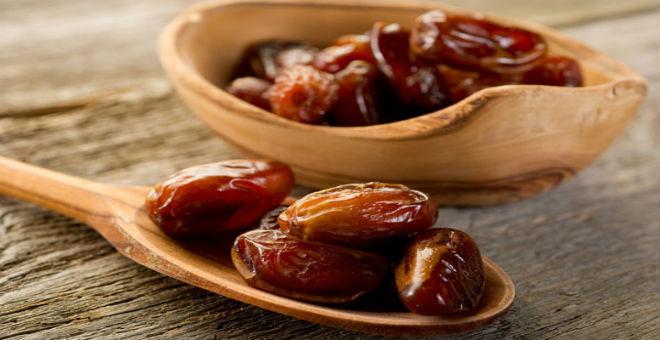 لهذه الأسباب يجب أن نأكل التمر في رمضان