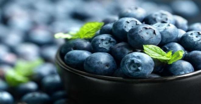 التوت الأزرق.. طريقك للصحة والجمال