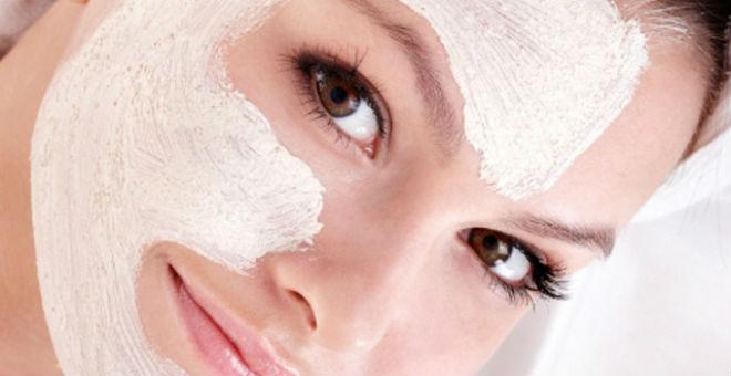 4 علاجات تخلصك من جميع مشاكل الشعر والبشرة
