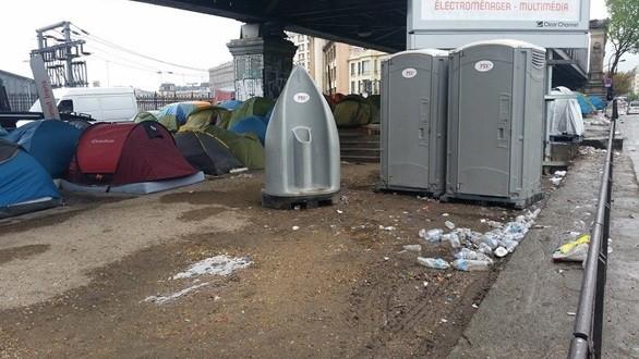 خيام مهاجرين في باريس
