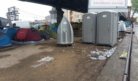 إجلاء موريتانيين من مخيمات لجوء في باريس