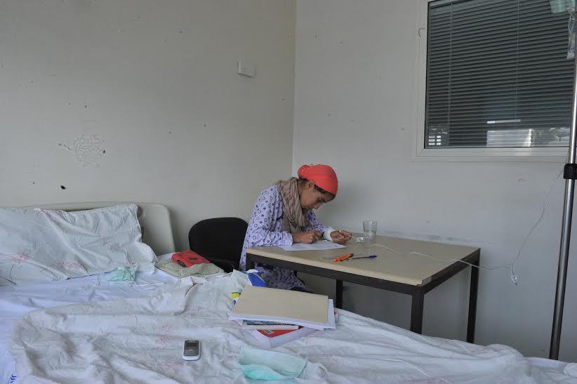 زينب تقاوم السرطان وتنال شهادة البكالوريا