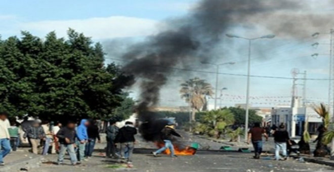 توقف إنتاج حقل نفط بالفوار بسبب احتجاجات الأهالي