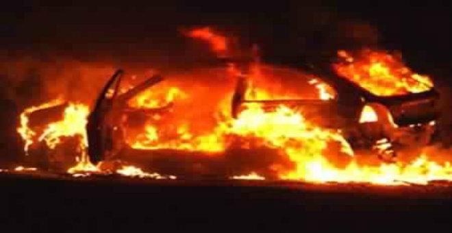سيارة رئيس تحرير الثورة نيوز تتعرض لحريق مفتعل
