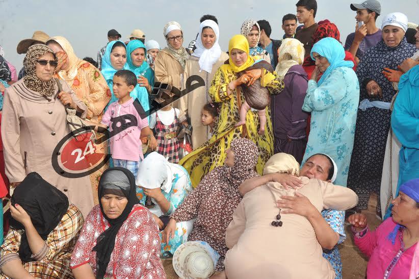 بالصور: انتشال جثت الأطفال ضحايا شاطئ الشراط