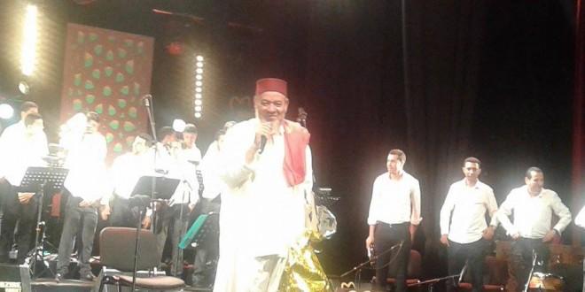 عبد الهادي بلخياط يغني للملك محمد السادس في موازين