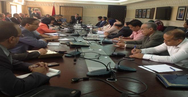 مستشارون في شؤون البرلمان  يشكون للوزير عماري