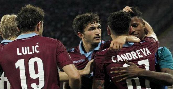 لازيو يطيح بنابولي ويتأهل لدوري أبطال أوروبا