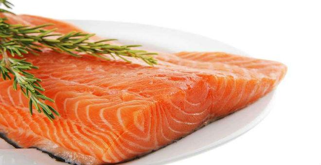 6 أطعمة تحميك من هشاشة العظام