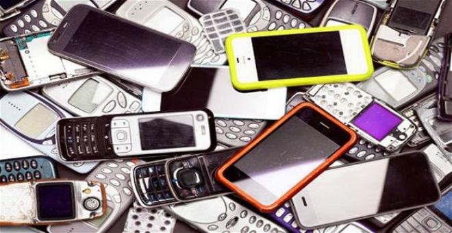 شركة تعرض وظيفة تحطيم الهواتف مقابل 62 ألف دولار
