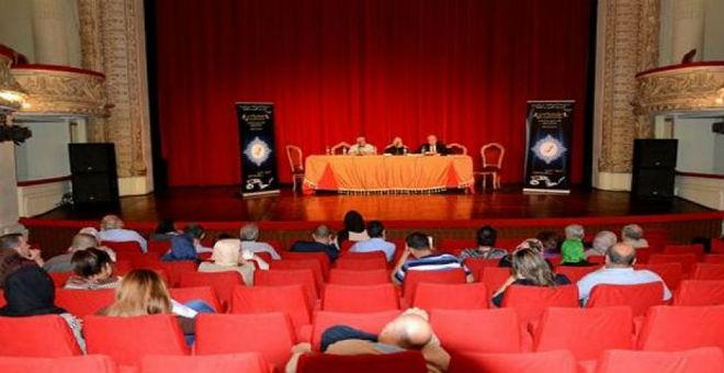 وزير الثقافة الجزائري يدعو السينمائيين إلى اقتباس الروايات