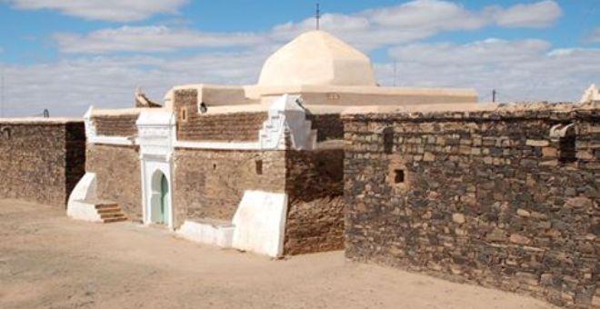 القبائل الصحراوية المغربية وبعض من علمائها وشعرائها