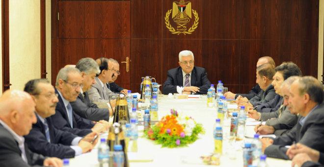 منظمة التحرير الفلسطينية تشرع في تشكيل حكومة جديدة