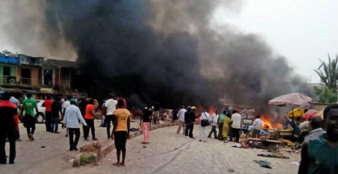 نيجيريا: مقتل 63 شخصا في انفجار قنابل بدائية