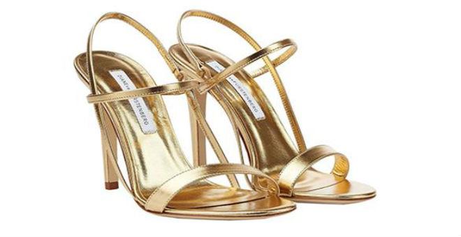 الألوان المعدنية تزين الأحذية النسائية في 2015
