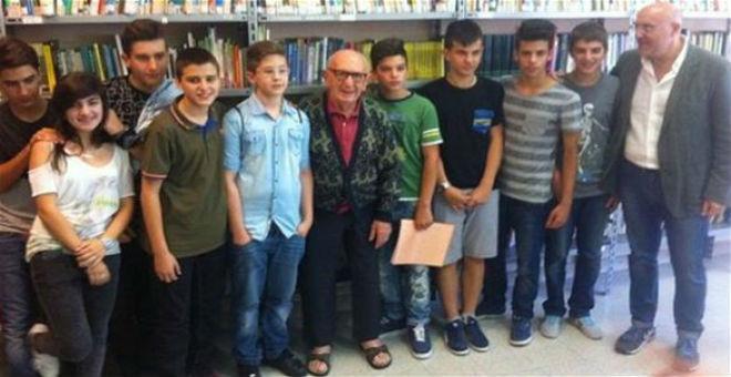 إيطالي يتخرج من المدرسة الإعدادية بعمر 91 عاما