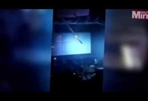 لحظة انهيار سقف سينما على المتفرجين