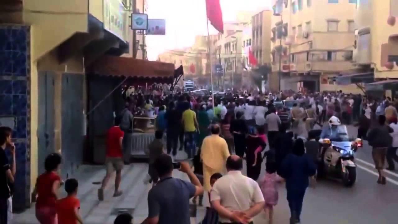 بالفيديو: الملك يوقف موكبه