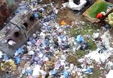 فضيحة: النفايات بحي بوركون في شهر رمضان