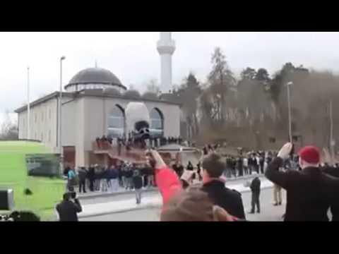 بالفيديو..حقيقة صوت الأذان الغامض داخل مسجد مغلق