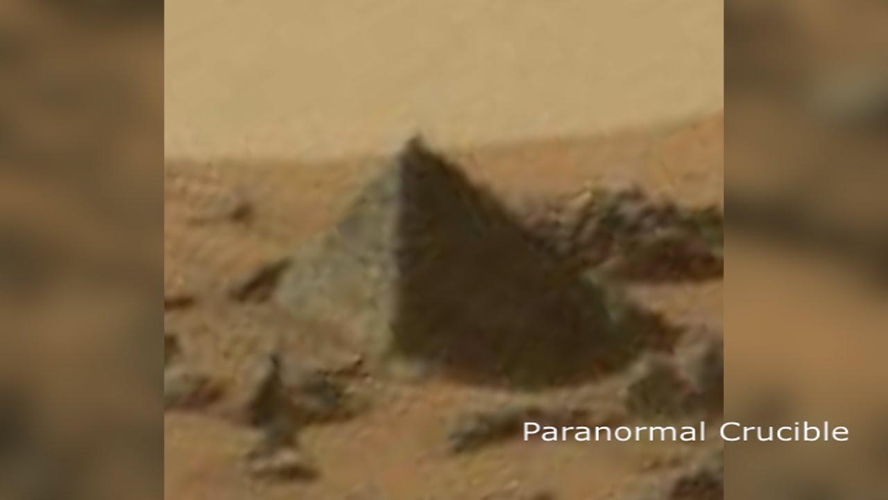 اكتشاف نسخة من الأهرامات المصرية على المريخ
