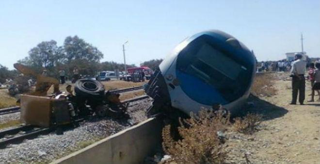 فاجعة..مقتل 14 تونسيا في حادث اصطدام بين قطار وشاحنة