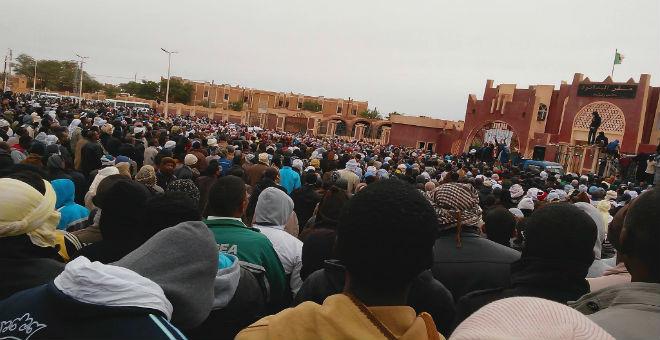 700 ألف جزائري خرجوا للاحتجاج في 2015