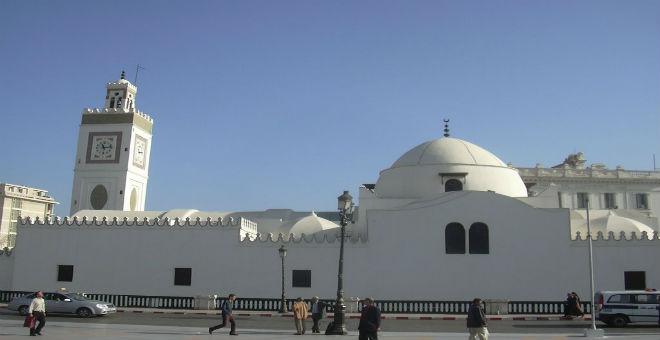 الجزائر: السلطات تريد استعادة مساجد من أيدي سلفيين