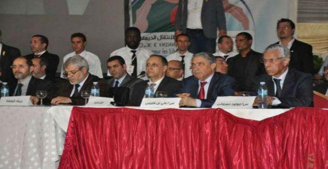 المعارضة الجزائرية ترسم واقعا أسود للوضع في البلاد