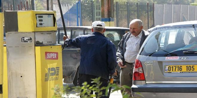 رفع أسعار البنزين في الجزائر بنسبة 35 بالمئة