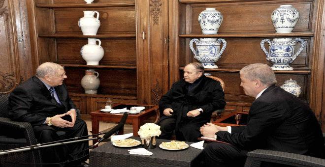 تفاصيل لقاء سري بين بوتفليقة وكبار المسؤولين في الجزائر