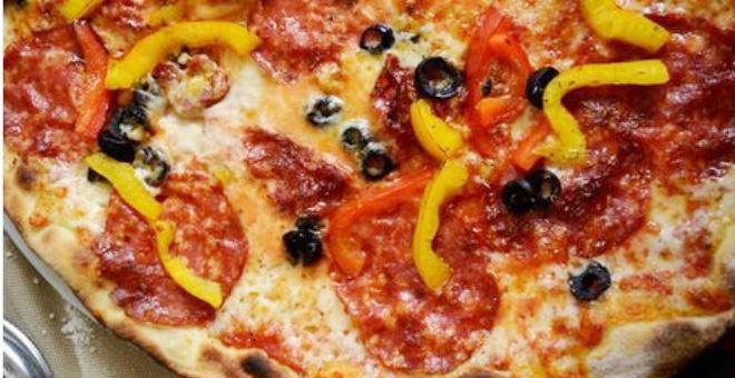 دراسة: البيتزا والفطائر تسرّع في تقدم السن!