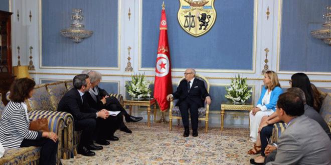 Essebsi et journalistes1