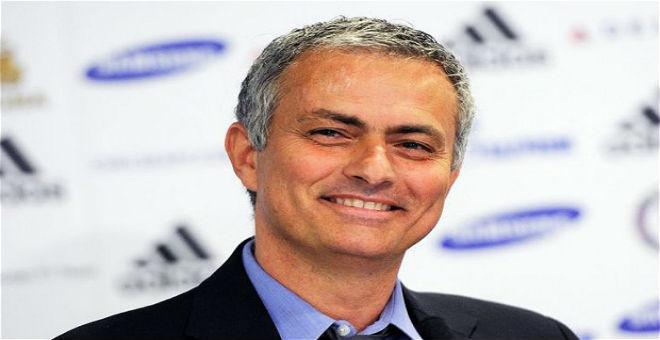 مورينيو ينصح رئيس الريال بالتخلص من ثلاثة لاعبين