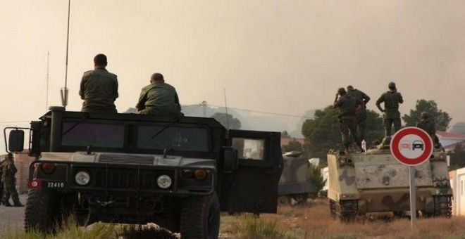 الوضع في ليبيا يدفع تونس لاستنفار جيشها على الحدود