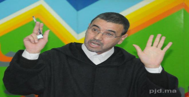 من هو كمال الدين فخار الذي اعتقلته السلطات الجزائرية؟