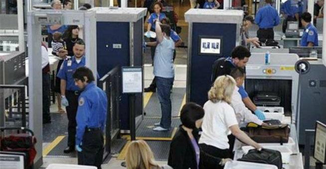 فعالية تقنية الفحص بأشعة إكس X في مراقبة المطارات