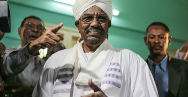 الرئيس السوداني يعود مبكرا من جوهانسبورغ حرا طليقا