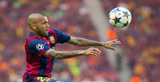 ألفيس يمدد عقده مع برشلونة الاسباني