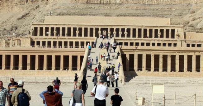 الأمن المصري يحبط هجوم تخريبي على معبد الكرنك السياحي