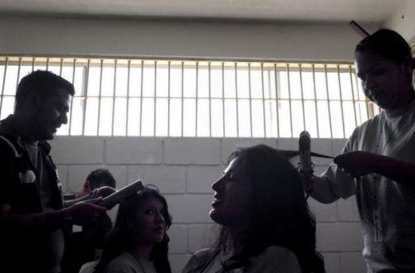 beauty-pageant-mexico-prison-3-n