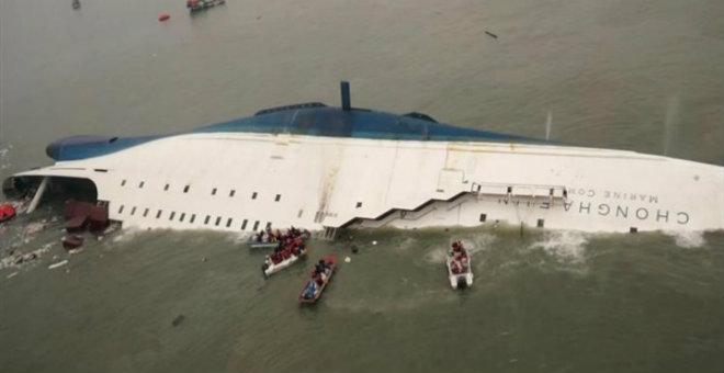 انقاذ 13 راكبا من السفينة الصينية في نهر يانغتسي