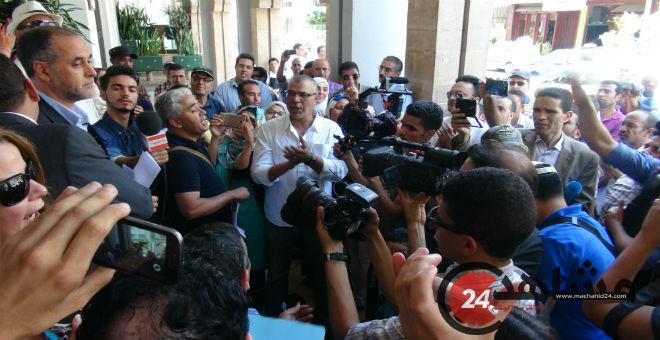 العسكري يتلقى عرضا من شباب الريف الحسيمي