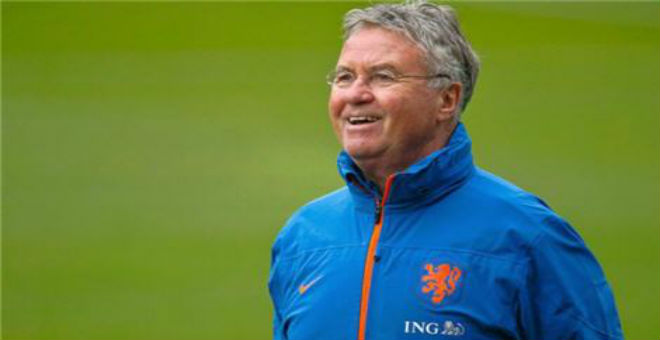 هيدينك يستقيل من تدريب منتخب هولندا
