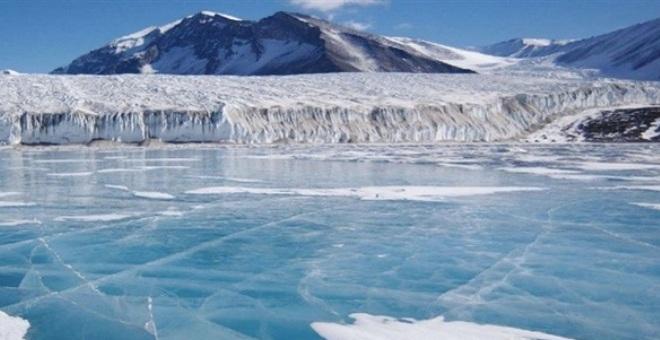 مستودع لتخزين الجليد في القطب الجنوبي