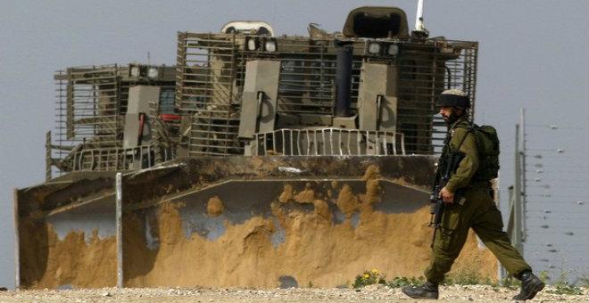 الاحتلال الإسرائيلي يتوغل بجرافاته في قطاع غزة