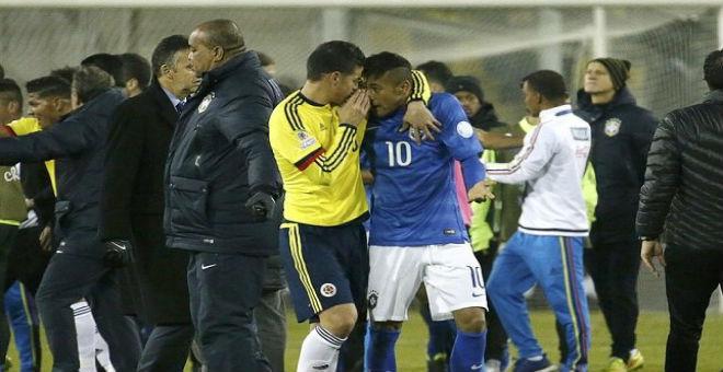 خاميس ينصح نيمار بعد طرده من المباراة